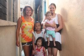 Regine-family + volunteer 1
